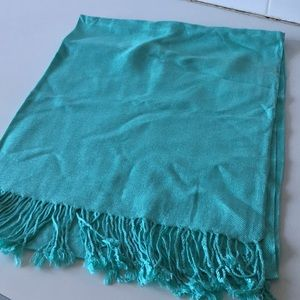NWOT Tiffany blue pashmina